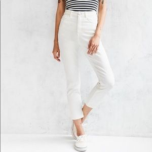 Urban Outfitters BDG Girlfriend High-Rise Jean